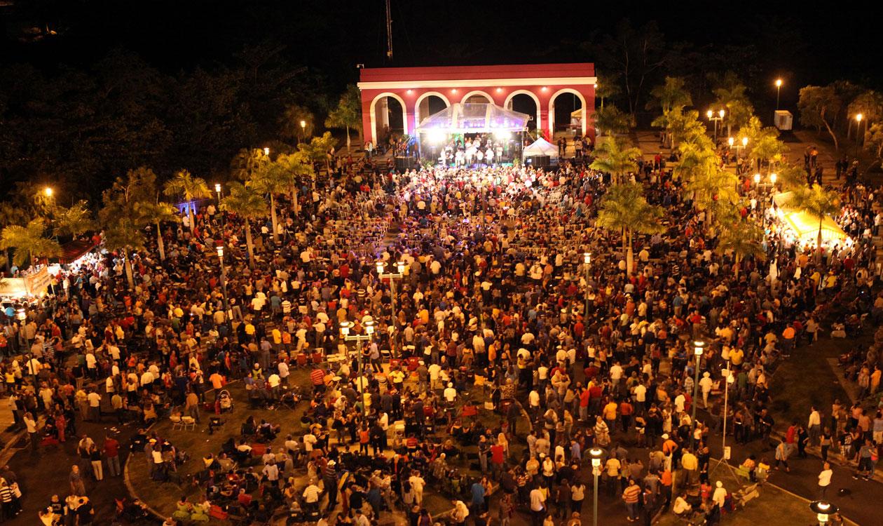 Plaza-de-la-Musica
